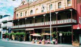 Plaza Hotel - Accommodation Brisbane