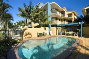 Surf Club Apartments - Accommodation Brisbane