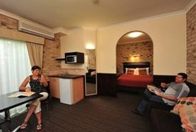 Highlander Motor Inn And Apartments - Accommodation Brisbane