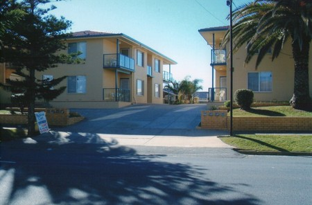 AA Madalena Court Holiday Apartments - Accommodation Brisbane