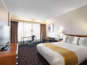 Holiday Inn Sydney Airport - Accommodation Brisbane
