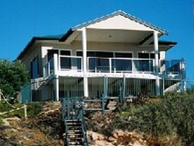 Top Deck Cliff House - Accommodation Brisbane
