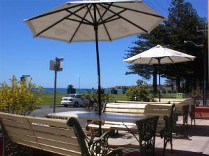 Anchorage at Victor Harbor Seafront Hotel - Accommodation Brisbane