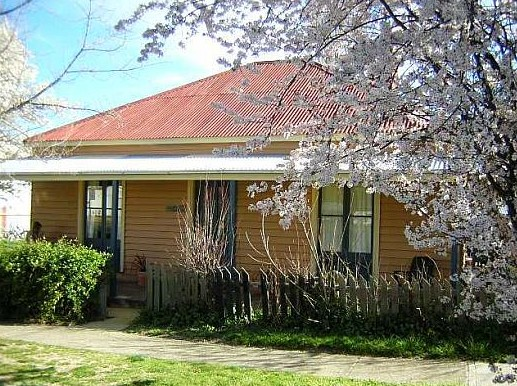 Cooma Cottage - Accommodation - Accommodation Brisbane