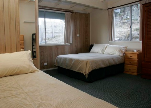Royal Coachman Ski Lodge