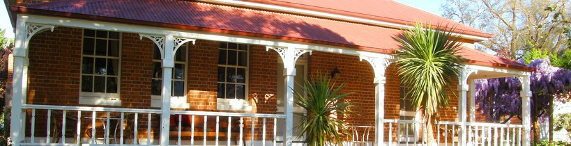 Araluen Old Courthouse Bed and Breakfast - Accommodation Brisbane
