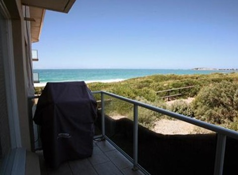 Beachfront Narrabeen - Accommodation Brisbane