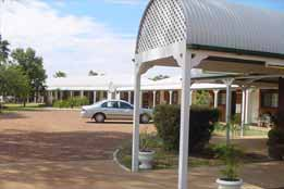 Landsborough Lodge Motel - Accommodation Brisbane