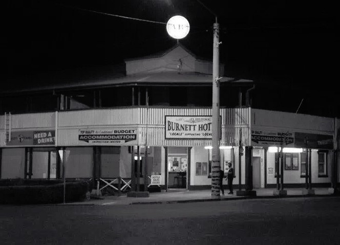 Burnett Hotel - Accommodation Brisbane