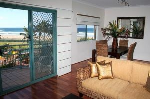 Currumbin Sands on the Beach - Accommodation Brisbane
