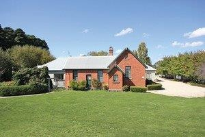 Woodend Old School House Bed and Breakfast - Accommodation Brisbane