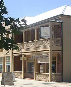 Cobb  Co Court Boutique Hotel - Accommodation Brisbane