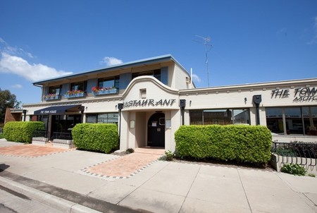 The Town House Motor Inn - Sundowner Goondiwindi - Accommodation Brisbane