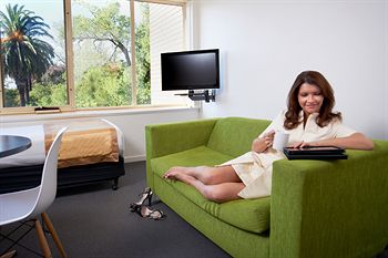 City Edge Serviced Apartments East Melbourne - Accommodation Brisbane