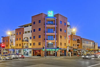 Quality Suites Boulevard On Beaumont - Accommodation Brisbane