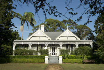 The Villa - Country House Retreat - Accommodation Brisbane