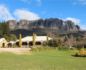 Mount Roland Country Lodge