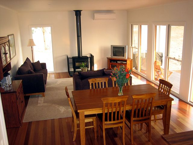 Strath Valley View B and B - Accommodation Brisbane