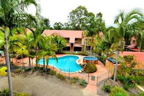 Beach Court Holiday Villas - Accommodation Brisbane