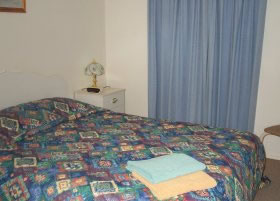 Carn Court Holiday Apartments - Accommodation Brisbane