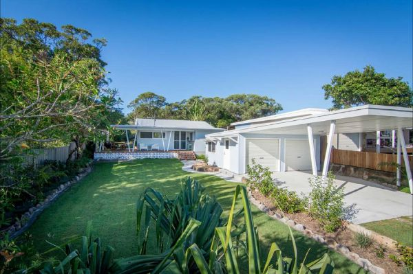 Back Beach Bungalow - Accommodation Brisbane