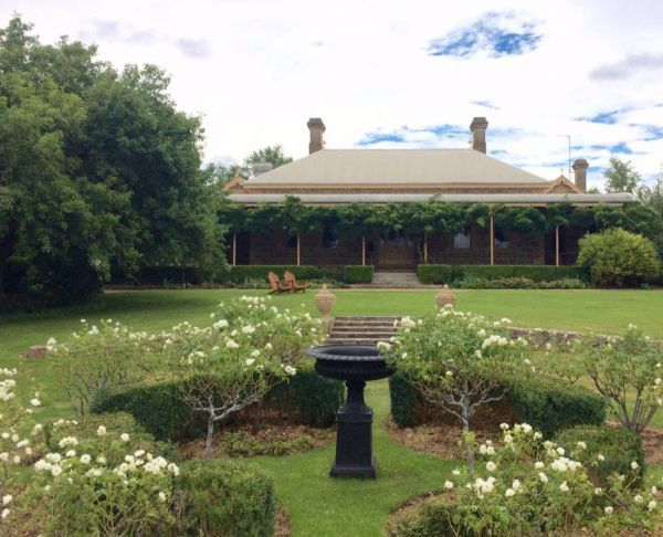 Clifton House and Gardens Farm Stay Accommodation - Accommodation Brisbane