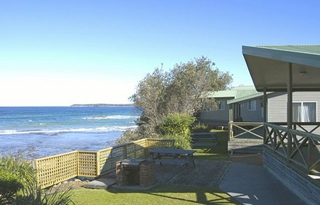 Berrara Beach Holiday Chalets - Accommodation Brisbane