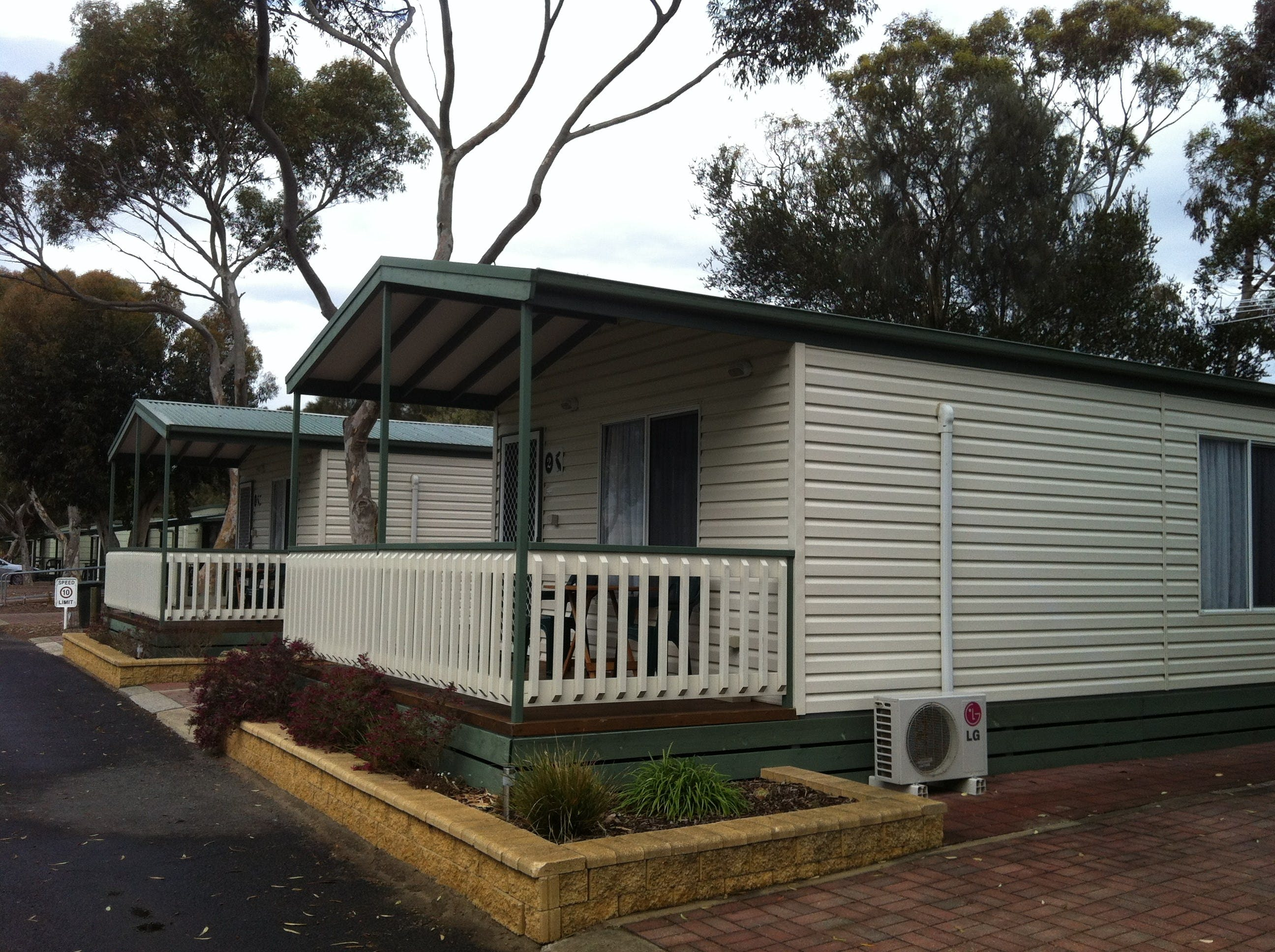 Lake Albert Caravan Park Meningie SA - Accommodation Brisbane