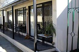 Courtside Cottage Bed and Breakfast - Accommodation Brisbane