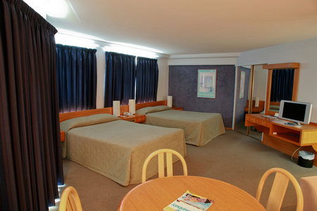 Quality Hotel Lord Forrest - Accommodation Brisbane
