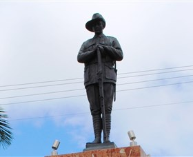 Charters Towers Memorial Cenotaph - Accommodation Brisbane