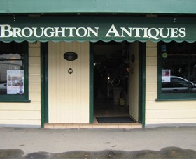 Broughton Antiques - Accommodation Brisbane