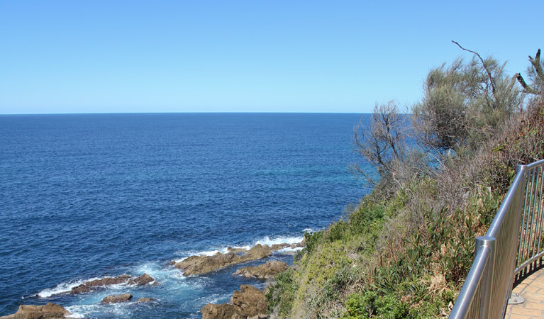 Moruya Heads lookout
