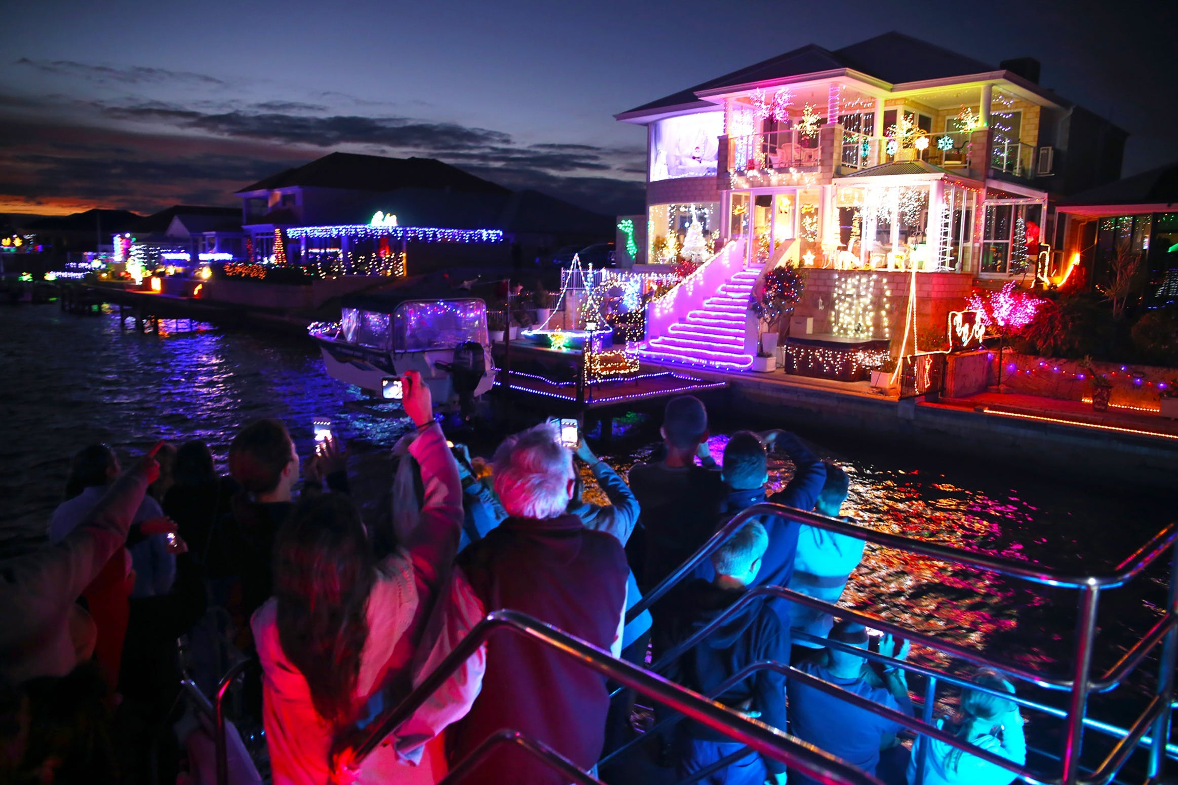 Christmas Lights Cruise - Accommodation Brisbane