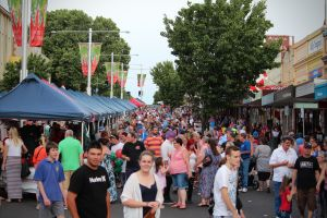 Cowra Christmas Street Festival - Accommodation Brisbane