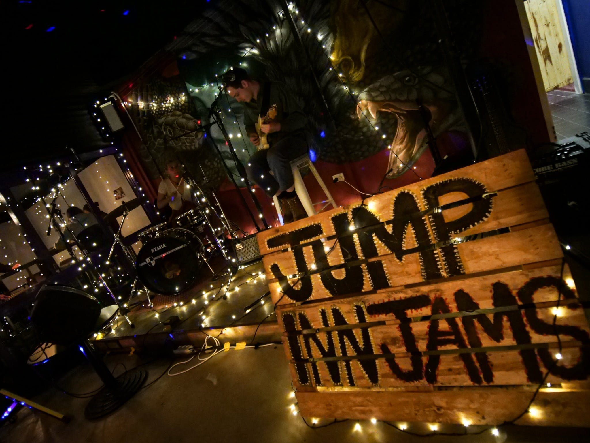 Jump Inn Jam Sessions - Accommodation Brisbane
