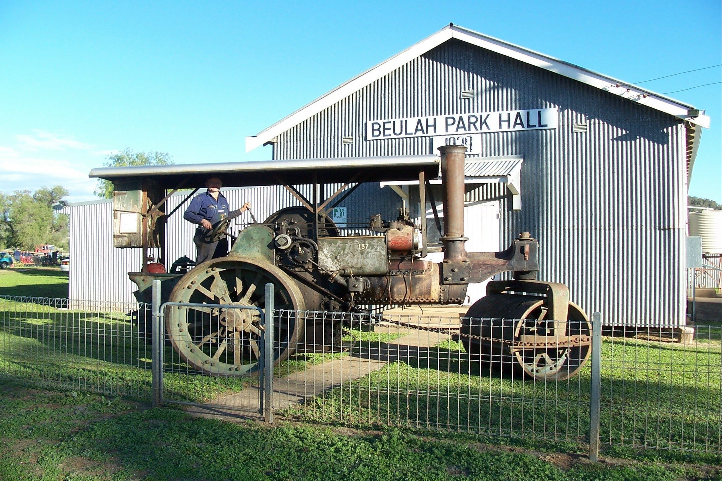 Eulah Creek Antique and Machinery Day - Accommodation Brisbane