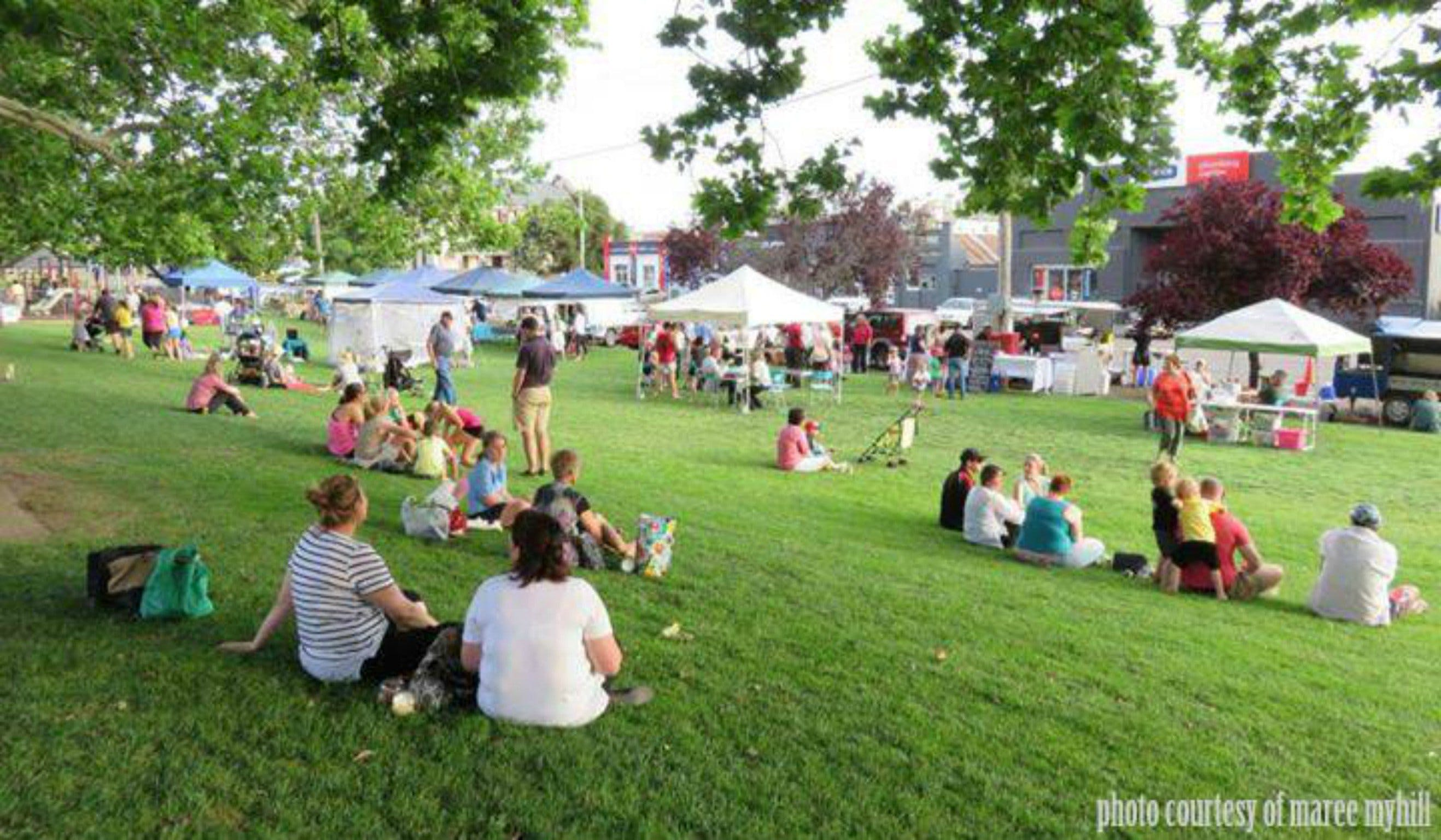 Young and Region Farmers Markets - Accommodation Brisbane