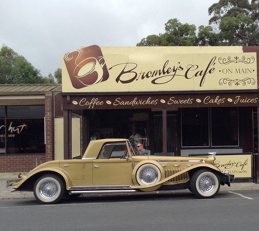 Bromley's On Main - Accommodation Brisbane