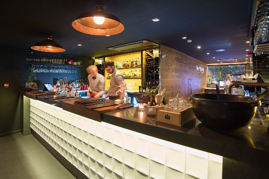 The Oakroom Kitchen and Bar - Accommodation Brisbane