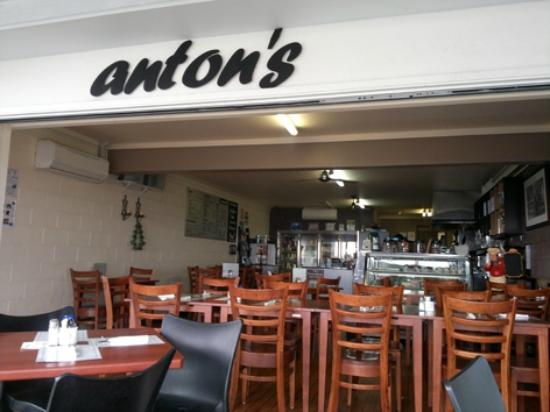 Anton's Restaurant - Accommodation Brisbane
