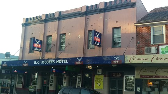 R. G. McGees Hotel - Accommodation Brisbane