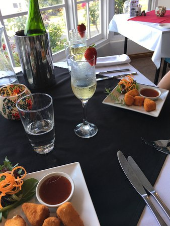 Top of the Hill Restaurant - Accommodation Brisbane
