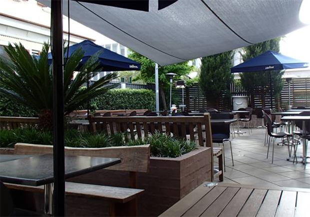 The Grapevine Caf - Accommodation Brisbane