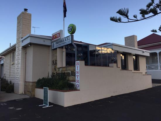 Swansea RSL Bistro - Accommodation Brisbane