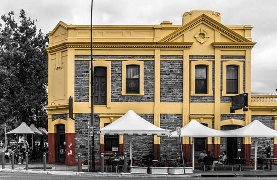 The Colonist Hotel - Accommodation Brisbane