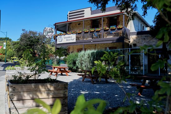 The Uraidla Hotel - Accommodation Brisbane