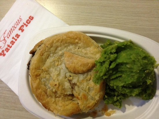 Yatala Pie Shop - Accommodation Brisbane