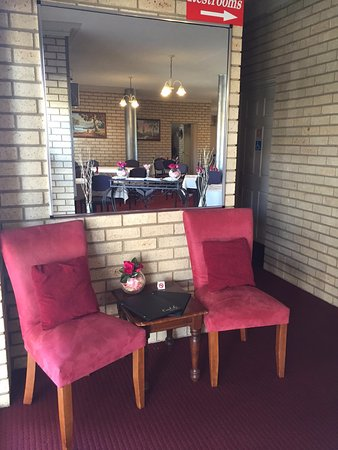 The Coral-Le Restaraunt - Accommodation Brisbane