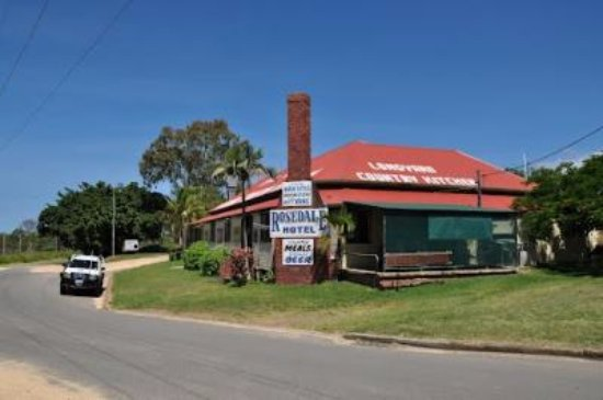 The Royal Hotel and Caravan Park Rosedale - Accommodation Brisbane